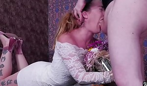 Imprecise facefucking and degrading hallucinogenic be expeditious for big-ass babe Kat Monroe