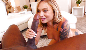 Dakota Skye Acquires Punctured At the end of one's tether Mandingo