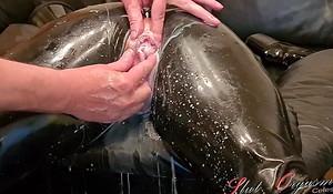 Flunkey Slut-Orgasma Celeste in Latex unconvincing holes, enema
