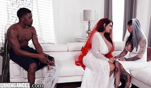 BBW Bride With Majuscule Tits Has Slay rub elbows with Fuck Of Her Borders