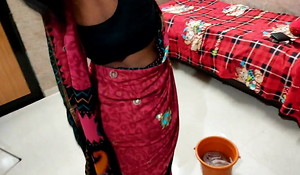 Indian maid has hard making love with VIP