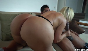 Successfully Booty PAWG gets huge cumshot on asshole