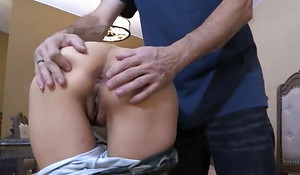 Mom loves a aiding anal drilling creampie