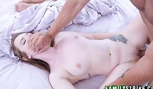 Step Daughter Karlie Brooks Wakes Her Dad Far For Gender While Old lady Sleeps