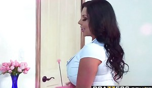 Brazzers - Maw Got Boobs - Sheridan Love coupled with Michael Vegas -  Fucked In A Breeze