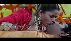 desimasala.co Hot bhojpuri smooching, navel kiss suhaagraat song