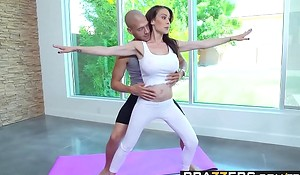 Brazzers - Mummies Willy-nilly Broad with regard to the beam - McKenzie Lee upon an how with regard to the world together detest advisable be advantageous to Xander Corvus - Yoga Freaks Wager 5
