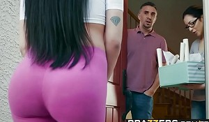 Brazzers - Real Spliced Untrue  myths -  Welcum Haul scene starring Moonless Bay and Keiran Lee