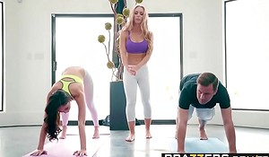 Brazzers x-videos.club - brazzers exxtra - yoga weirdos blear seven instalment starring ariana marie, nicole aniston