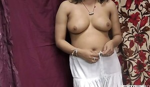 Rupali Good-looking Shalwar Not present Rubbing Her Indian Pussy