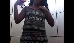 Novinha spoonful banheiro