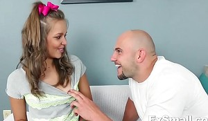 Liza Rowe Has Father Issues